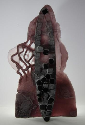 Tvář M., 2014, tavené sklo, broušené, ryté, 63 x 37 x 16 cm