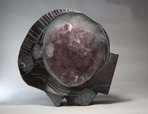 Profil, 2015, tavené sklo, broušené, ryté, 48 x 49 x 10 cm