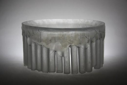 Prstenec IV, 2013, tavené sklo, broušené, ryté, 21 x 41 x 41 cm